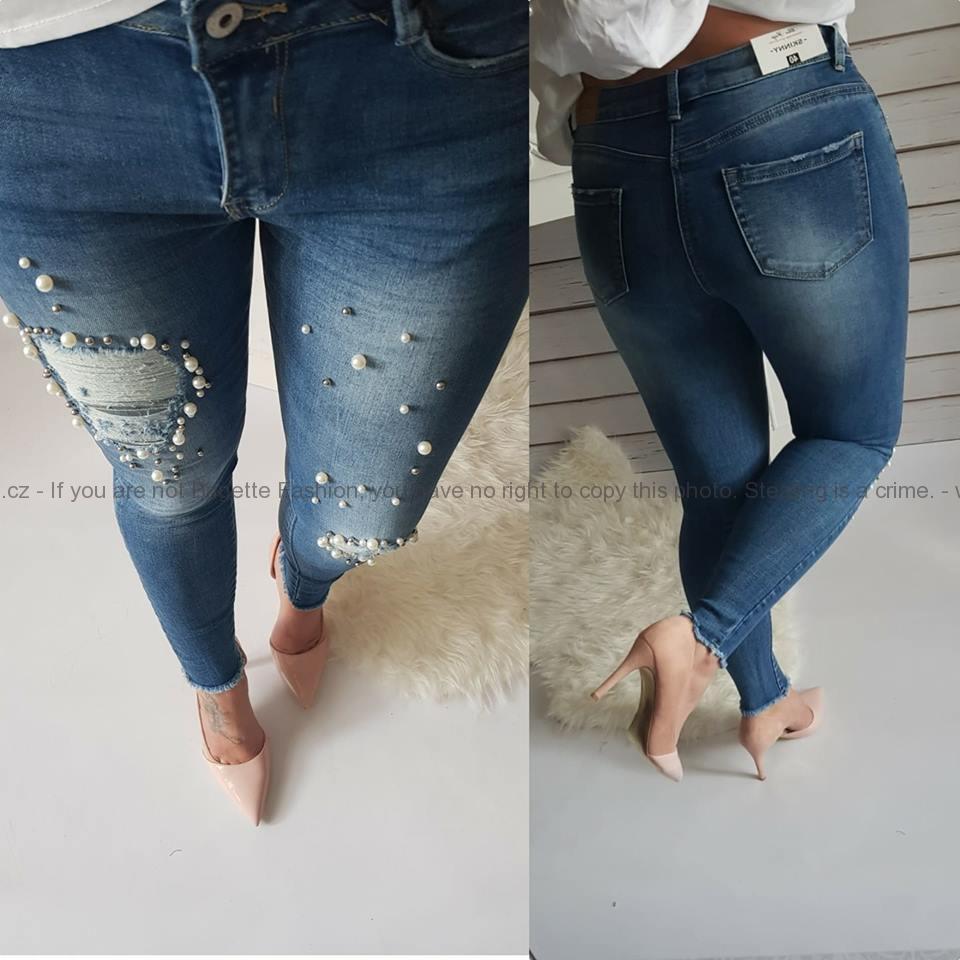 383d316aa1f Děrované džíny s perličkami na nohavicích